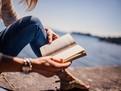 Cele mai bune carti de citit in vacanta de vara, carti bune, carti de vacanta, cele mai bune carti din lume, cele mai bune romane, ce romane ar trebui sa citesti, romane de dragoste, romane pentru femei, romane pentru vacanta, ce sa mai citim, carti bune,