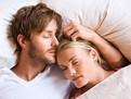 cum dorm sotii, pozitii de dormit, cuplul in somn, ce inseamna pozitia corpului in somn