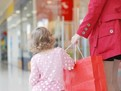 De ce să-i cumperi copilului tău haine dintr-un centru outlet