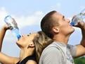 De ce trebuie sa bei apa cand faci sport