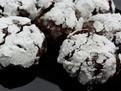 Fursecuri crocante de ciocolata chocolate crinkles