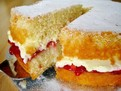 reteta de Tort Victoria, retete simple de torturi, blat pufos, retete cu frisca, retete de prajituri englezesti, reteta clasica de tort Victoria