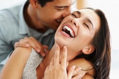 Cutiuta cu iluzii: Barbatii atunci cand flirteaza inseala sau fac comparatii???
